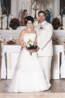 Alexis in her Anjolique wedding gown