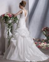Bridal gown Fit enhancer to enhance your body type